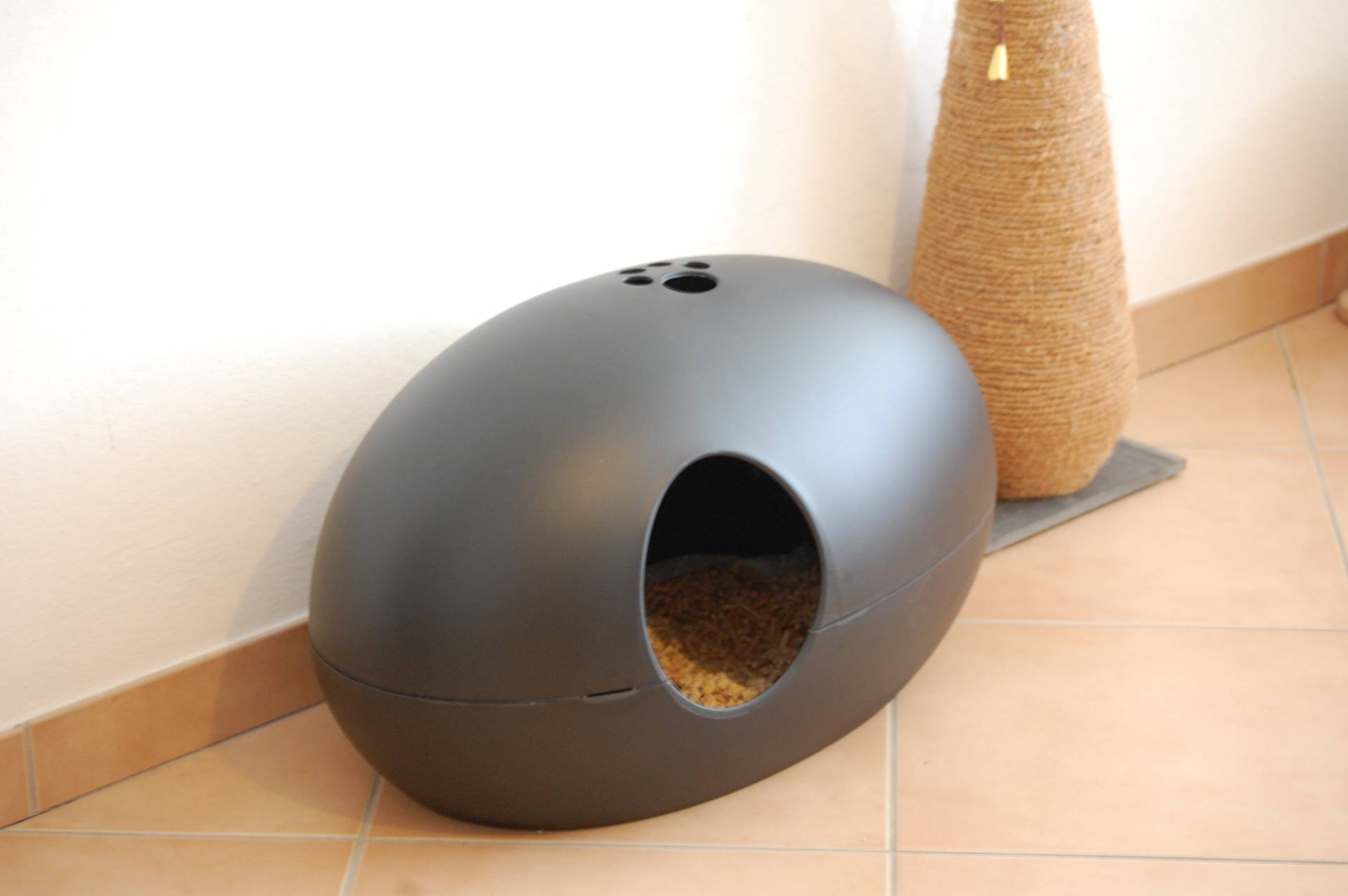Poopoopeedo Cat litter box ... & Covered Litter Boxes: Pros and Cons | Meow Lifestyle Aboutintivar.Com