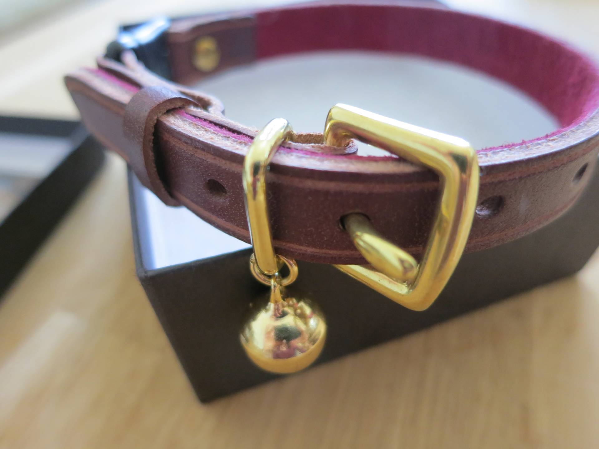 Cheshire & Wain Luxury cat collar