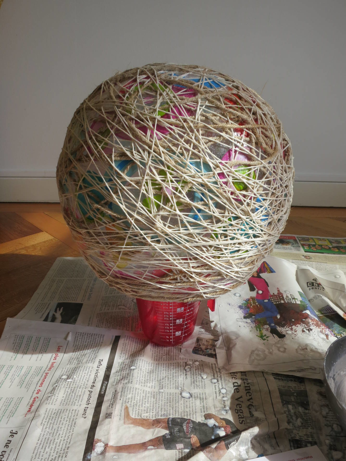 DIY yarn cat ball cave
